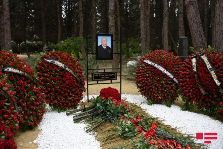 Xalq rəssamı Tahir Salahov I Fəxri Xiyabanda dəfn olunub -  FOTO