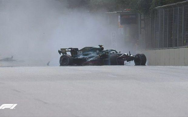 Formula 1-də təhlükəli qəza: Tibbi maşın trassa daxil oldu -  FOTO