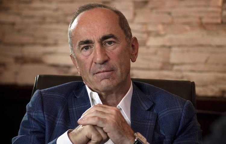Koçaryan Ermənistan XİN-in başsız qalmasını biabırçılıq adlandırıb