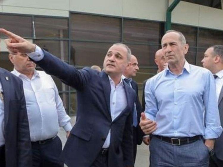 Köçəryan Zəngəzura gəldi və kədərlə Azərbaycan bayrağına baxdı
