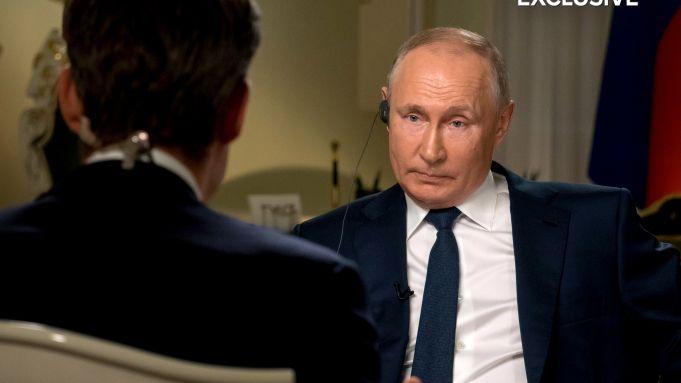 Fərqli istiqamətlərdən hücuma adət etmişəm -  Putin