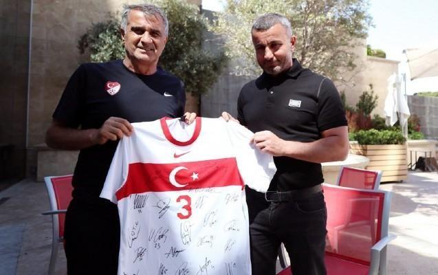 Qurban Qurbanov Türkiyə millisini ziyarət etdi