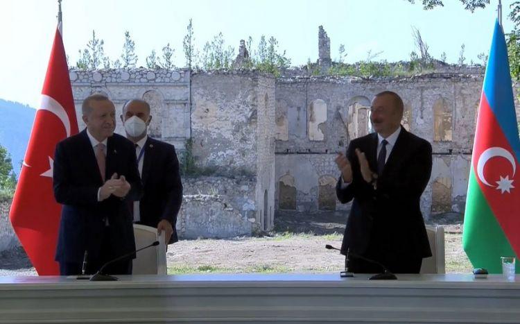 Prezidentlər mətbuata birgə bəyanatla çıxış edirlər -  VİDEO