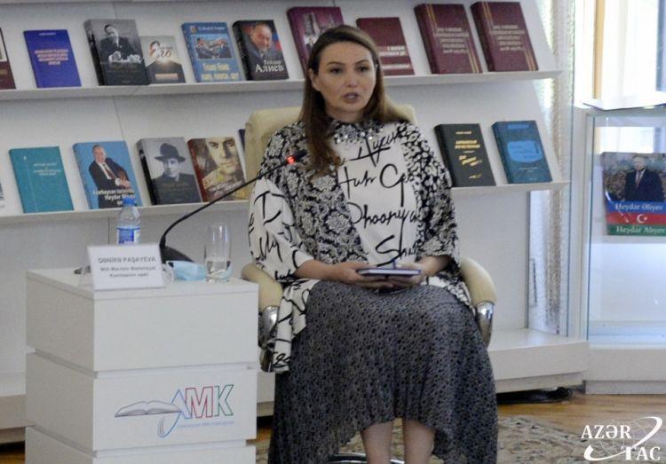 """Millət vəkili """"Xilaskarlar"""" kitabının təqdimat mərasimində çıxış edib."""