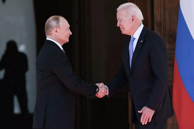 Putinlə Bayden bir-birilərinə hədiyyə verib