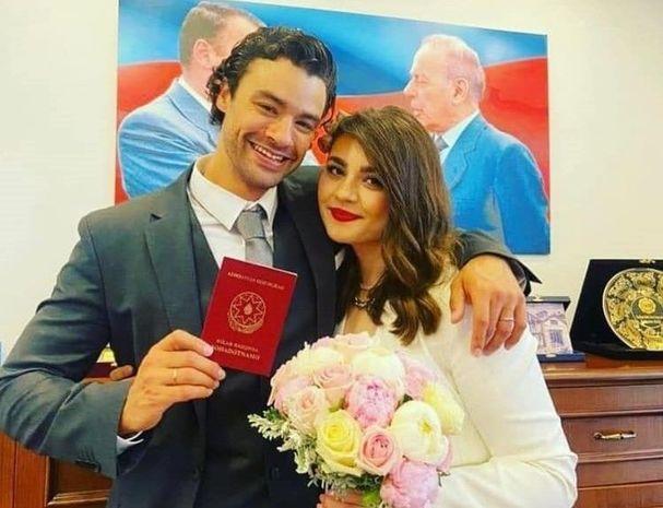 Van Dammın azərbaycanlı qızla evlənən oğlu müharibə vaxtı ölkəmizi dəstəkləyib -  FOTO