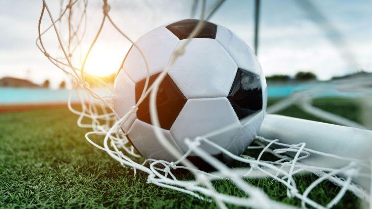 Futbolçu peyvənddən imtina edərək koronavirusdan ölməyə hazır olduğunu bildirib
