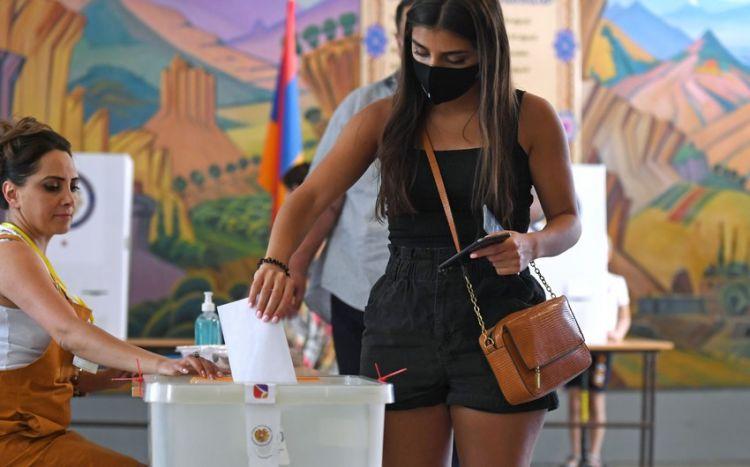 Ermənistan seçicilərinin yarıdan çoxu seçkilərə qatılmayıb
