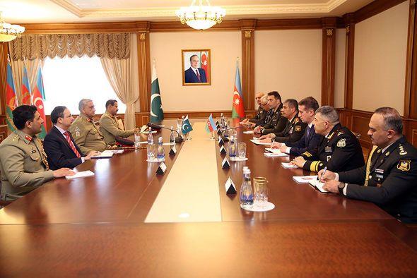 Azərbaycan və Pakistan generalları razılığa gəldi: Birgə təlim keçiriləcək -  FOTO