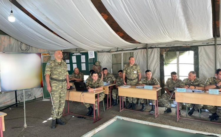 Azərbaycan Ordusunda briqada komanda-qərargah təlimi keçirilir -  FOTO