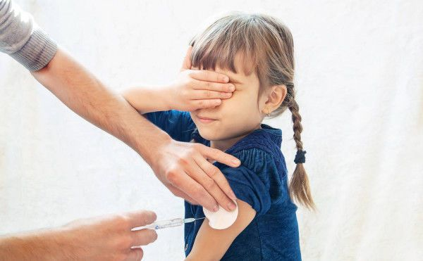 ÜST uşaqların da peyvənd edilməsinə icazə verdi