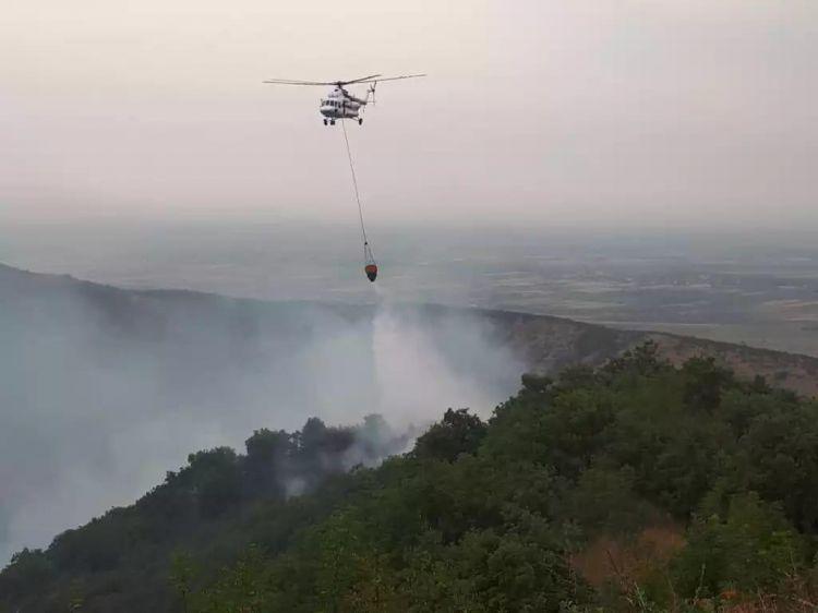 Füzulidə minalanmış meşə zolağı yanır -  Əraziyə helikopter cəlb edilib