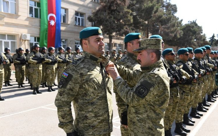 Azərbaycan sərhədçilərinə orden və medallar təqdim edilib