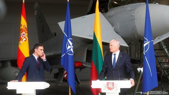 Litvada gərgin anlar: Rus qırıcıları prezidentlərin mətbuat konfransını pozdu - VİDEO