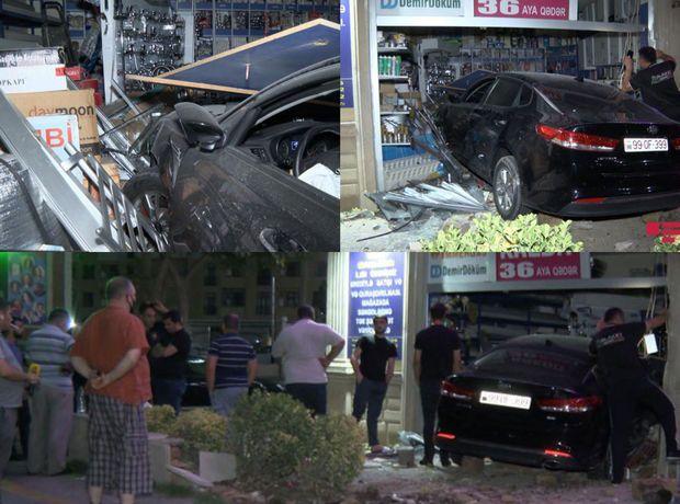 Bakıda xanım sürücü avtomobillə mağazaya girdi - FOTO