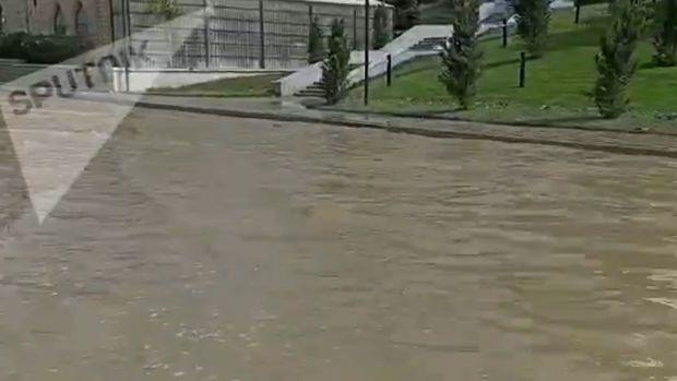 """""""Ukrayna dairəsi""""ni su basması ilə bağlı """"Azərsu""""dan  AÇIQLAMA - VİDEO"""