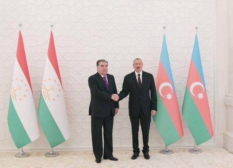 Tacikistan prezidenti İlham Əliyevə zəng edib