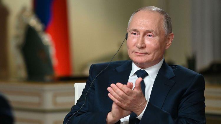 """""""Əmin olun, Putin rəqiblərindən pul qoparır"""" - """"Fox News""""un aparıcısı"""