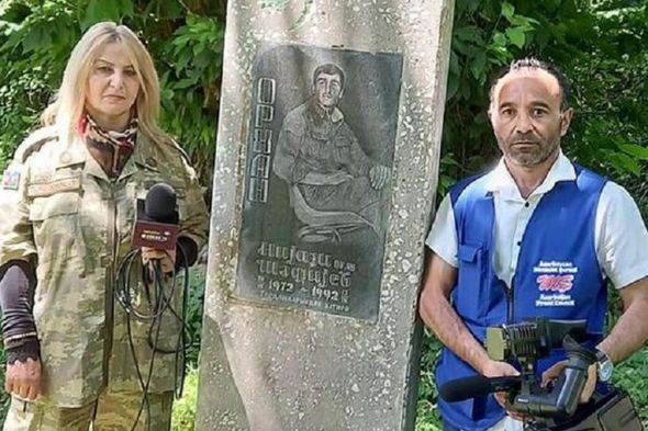 Şəhid ailələrindən pul alaraq çəkiliş edən jurnalistlər həbs edilib -  FOTO