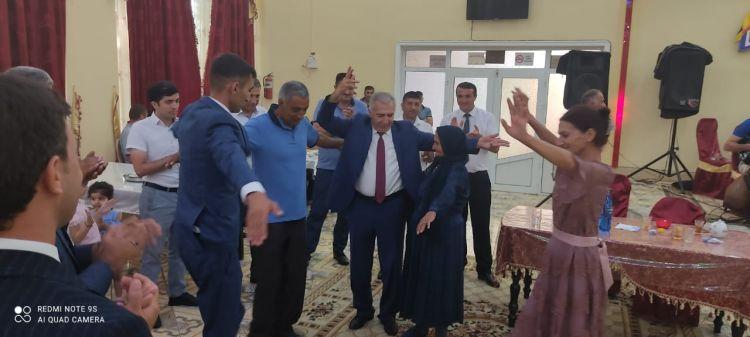 Deputat qazinin toyunda iştirak etdi -  FOTO