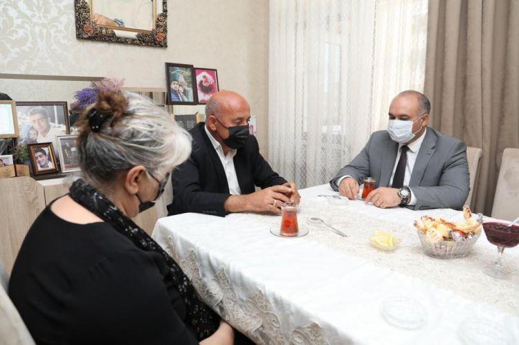 DSMF sədri Vətən müharibəsi şəhidi Ramil Ağayevin ailə üzvləri ilə görüşüb
