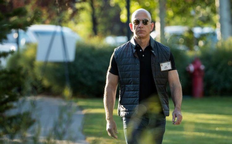 """""""Amazon""""un yaradıcısı Ceff Bezos kosmosa uçub -  FOTO - VİDEO"""