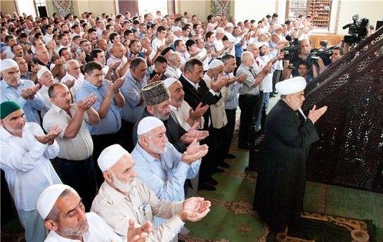 """""""Təzəpir"""" məscidində  bayram namazı qılınıb"""