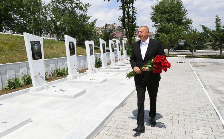 Prezident Daşkəsəndə Şəhidlər xiyabanını ziyarət edib -  FOTO