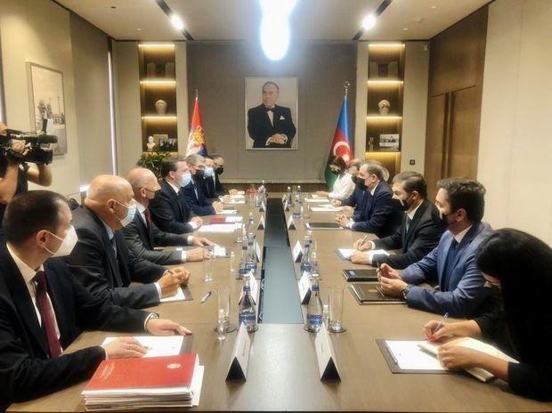 Azərbaycan və Serbiya XİN başçılarının geniş tərkibdə görüşü keçirilir –  FOTO