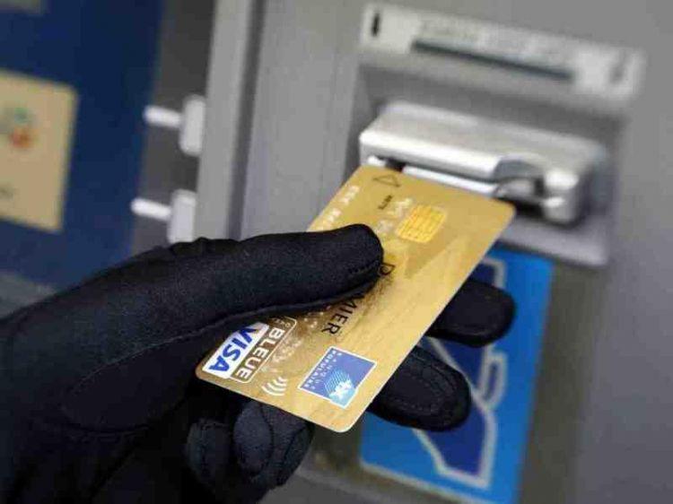 Şəhidin bank kartından pul oğurlandı