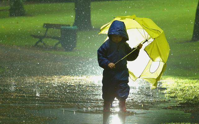 Bəzi rayonlarda intensiv yağış yağacaq, dolu düşəcək
