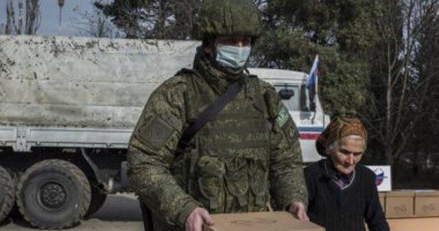 Rus hərbçiləri ermənilərə yardım aksiyası keçirdi