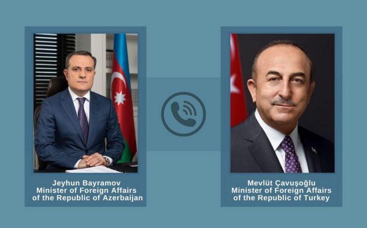 Ceyhun Bayramov Cavuşoğlu ilə danışıb