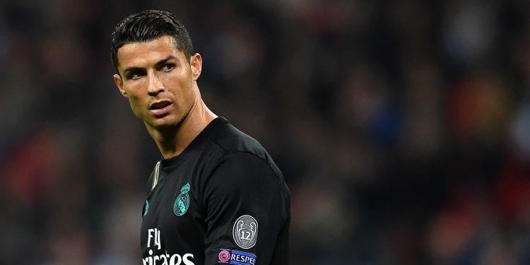 """Ronaldu """"Yuventus""""un futbolçuları ilə vidalaşaraq klubu tərk etdi"""