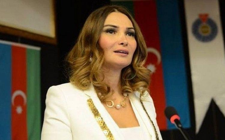 """Qənirə Paşayevanın """"Addım – addım Özbəkistan"""" adlı kitabı nəşr olunub -  FOTO"""