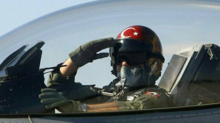 Türk F-16-ları Polşa səmasında belə uçdu - VİDEO