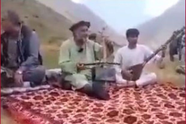 """""""Taliban"""" Əfqanıstanda müğənnini qətlə yetirib"""""""