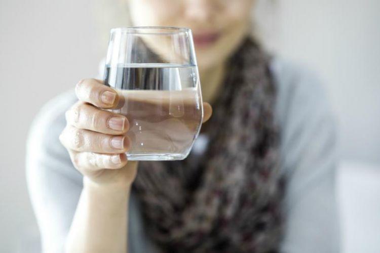 """""""Koronaviursdan sağalan insanlar gün ərzində minimum 2,5 litr su içməlidir"""""""