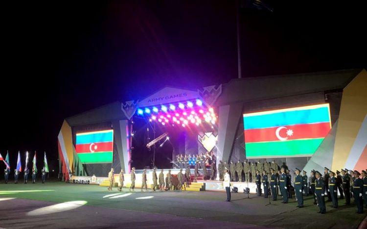 """""""Artilleriya atəşinin ustaları"""" müsabiqəsinin bağlanış mərasimi keçirilib"""
