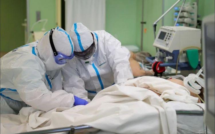 Koronavirusa yoluxan məşhur cərrahın durumu açıqlandı -  FOTO