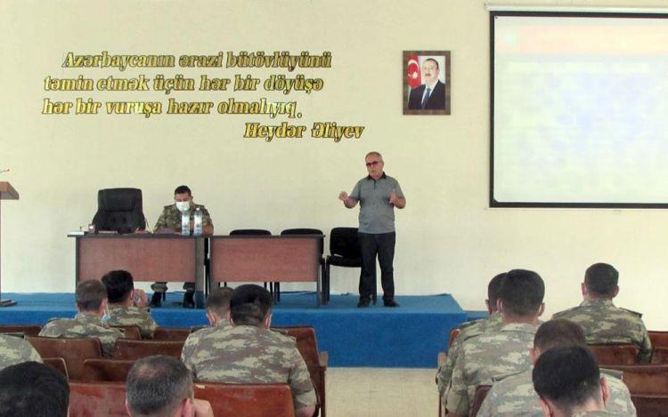Azərbaycan Ordusunda hərbi qulluqçular üçün seminarlar keçirilir -  FOTO