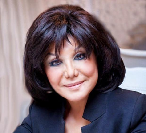 Flora Kərimova küçədə mahnı oxudu –  VİDEO