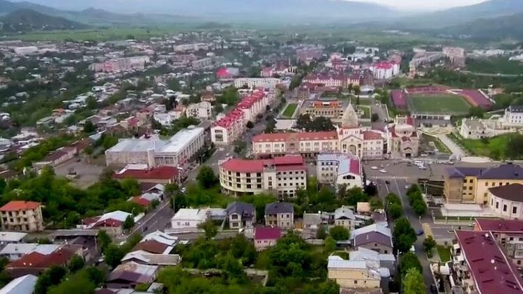 Akopyan:  Erməni ailələri azərbaycanlılara tərəf qaçır…