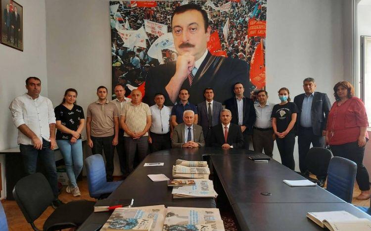 """""""Yeni Azərbaycan"""" qəzetinin yeni baş redaktoru kollektivə təqdim olundu -  FOTO"""