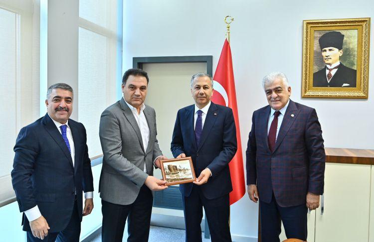 İstanbul valisi ilə soydaşlarımızın problemləri müzakirə edilib -  FOTO