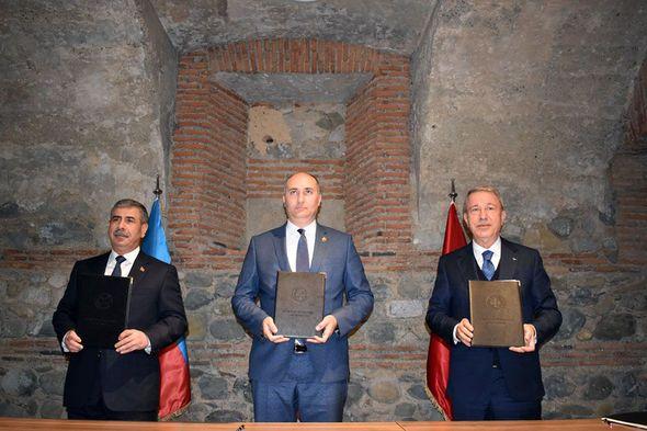 Azərbaycan, Türkiyə və Gürcüstan müdafiə nazirlərinin üçtərəfli görüşü keçirildi -  FOTO