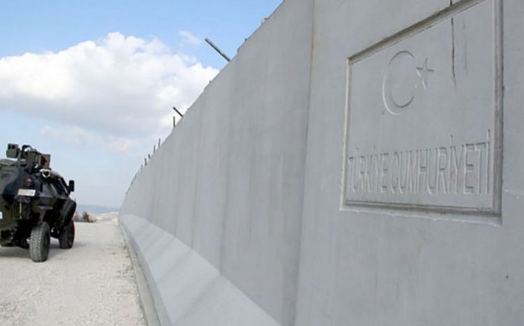 Türkiyə İranla sərhəddə beton divar çəkdi