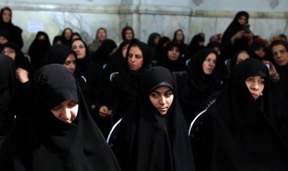 İranda qadınlara yeni qadağalar qoyuldu