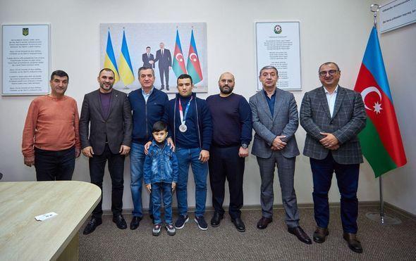 Odessa azərbaycanlıları Olimpiya Oyunlarının gümüş medalçısı ilə görüşüblər