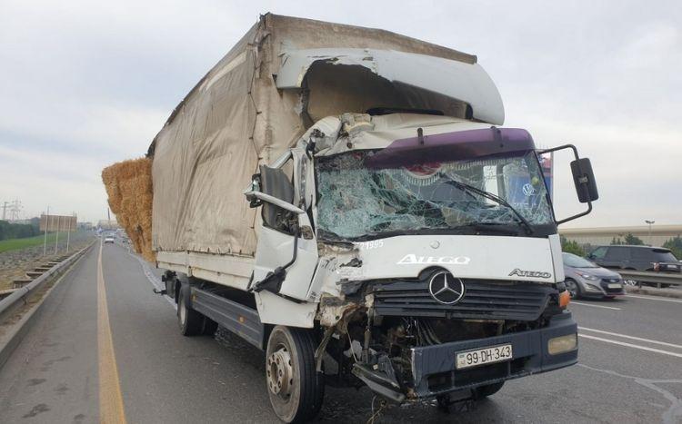 Aeroport yolunda qəza törədən yük avtomobilinin 19 yaşlı sürücüsü saxlanılıb
